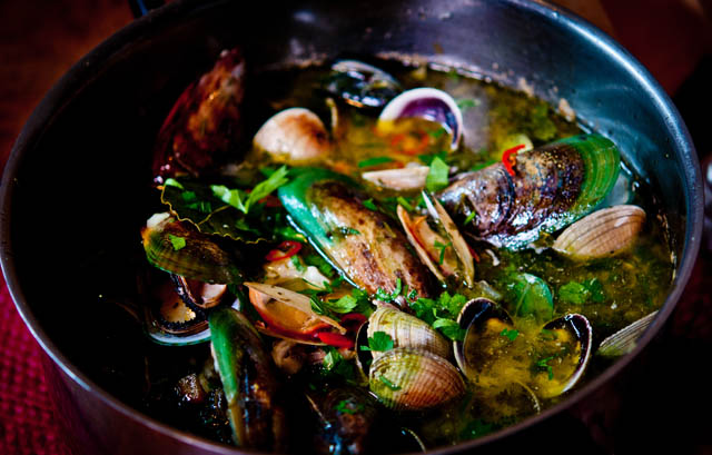 Native Diet mussels dish